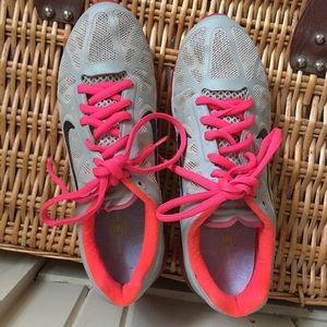 Nike AirMax - 8 gray ,orange ,taupe running shoe